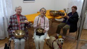 Ergotherapie Praxis Darmstadt Demenzbehandlung mit Therapiehund Marie